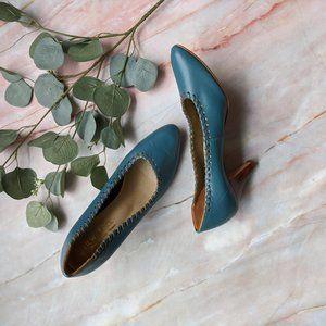 Vintage New Face 3 inch blue heels